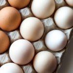calories in eggs