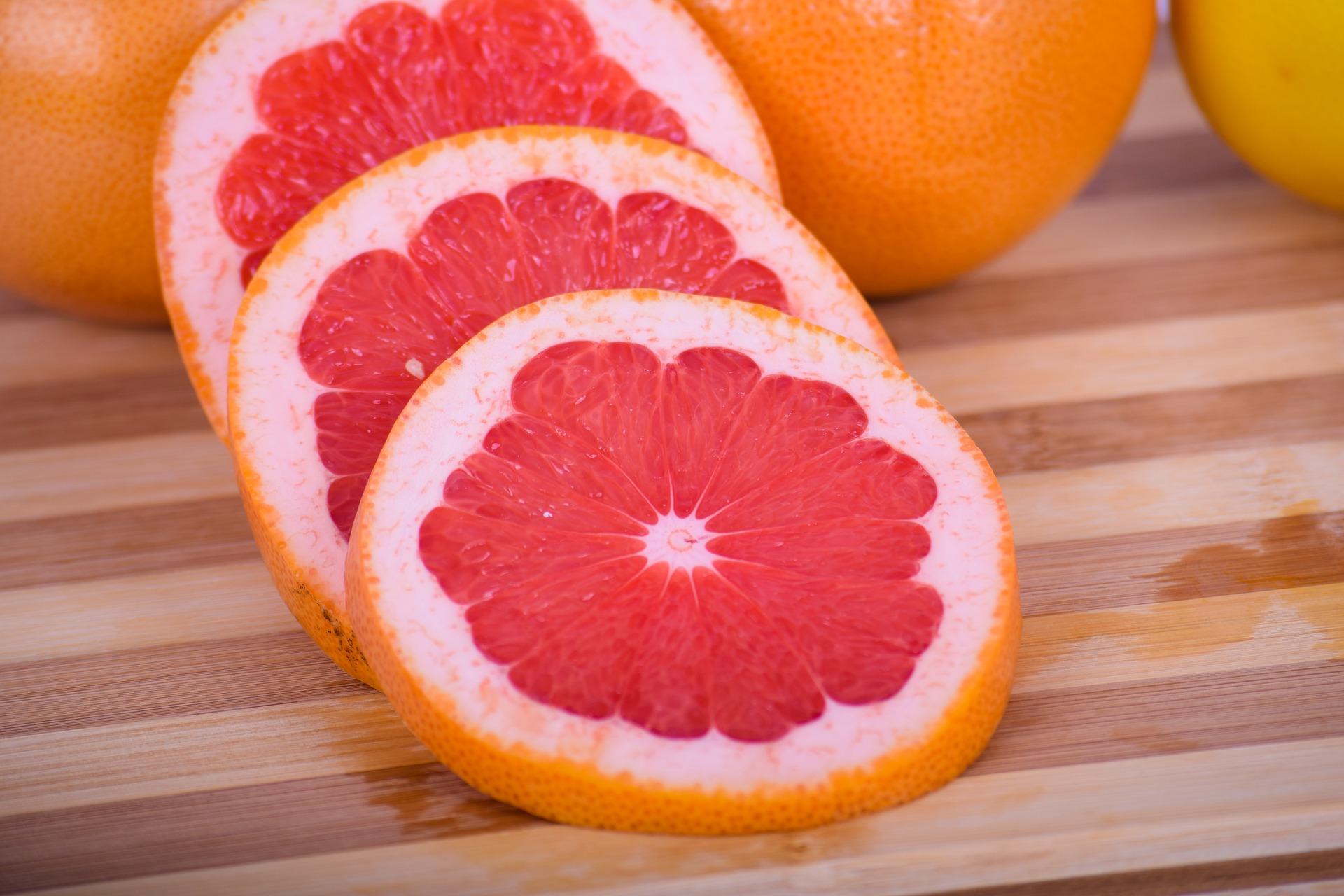 How many calories are in the grapefruit