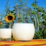 calories in semi skimmed milk
