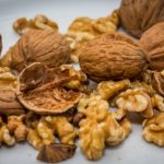calories in walnuts